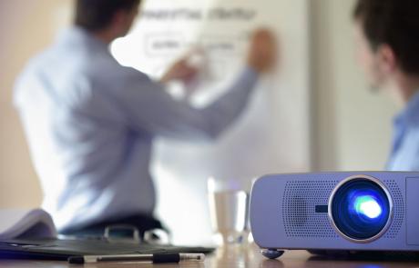 Präsentationstechniken – Spannende Präsentationen mit Powerpoint und Prezi