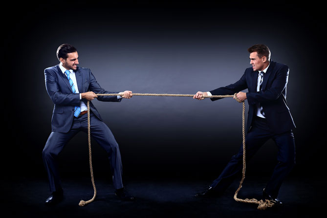 Teamtraining - an einem Seil ziehen